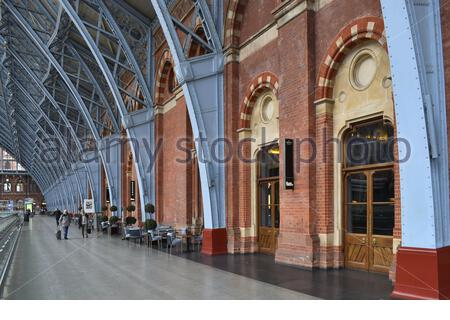 2007 restored St Pancras railway station - upper level arcade with restaurants, located in borough of Camden London UK. - Stock Photo