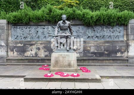 The Scottish American Memorial in Princes Street Gardens, Edinburgh - Stock Photo