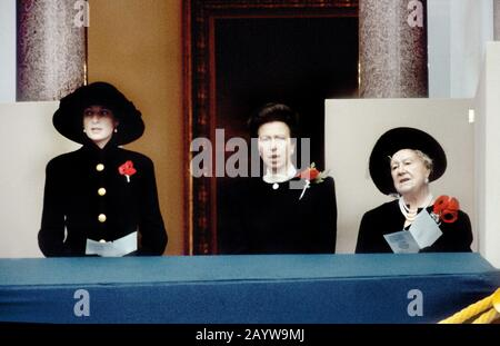 Remembrance ceremony at the Cenotaph - LtoR HRH Princess Diana, HRH Princess Anne and HM Elizabeth,The Queen Mother, London, England November 1992 - Stock Photo