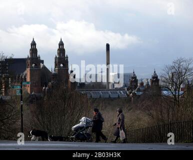 Kelvingrove Park,Glasgow, Scotland, UK. 18th February 2020.  After a week of being battered by Storm Dennis and Ciara people in Glasgow get back to the outdoors. Credit: Chris McNulty/Alamy Live News - Stock Photo