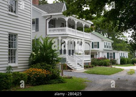 Historic houses at Navy Point in St. Michaels, a historic town in Maryland, USA, situated on Chesapeake Bay. - Stock Photo
