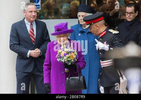 London, Bloomsbury, UK. 19th Feb, 2020. HM Queen Elizabeth II leaving the Eastman Hospital in London after officially opening the new NHS hospital to the public. Credit: Thamesfleet/Alamy Live News - Stock Photo