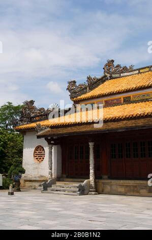 VIETNAM, HUE, IMPERIAL CITADEL, THAI HOA (SUPREME PEACE) PALACE - Stock Photo