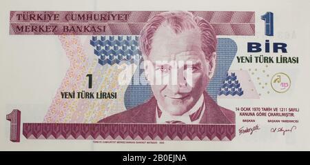 A Turkish 1 Lira bank note featuring Mustafa Kemal Ataturk - Stock Photo