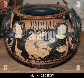 South-Italian, Paestan red-figure lebes gamikos. ........ Asteas Group. South-Italian, Paestaans red-figured lebes gamikos, without lid. ............... Asteas group., Vase, lebes gamikos, earthenware, red-figured, South-Italian, Paestan, h. 14.5 cm, diam. 18 cm, late-classic, Asteas group -350 - Stock Photo
