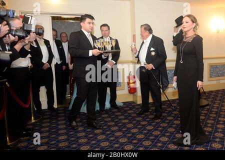 Vienna, Austria. 20th Feb, 2020. Photocall with Ornella Muti in evening dress for the Opera Ball 2020 in Vienna. Picture shows Ornella Muti in the evening dress on the far right. Credit: Franz Perc / Alamy Live News - Stock Photo
