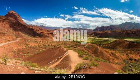 The road from Cachi to San Antonio de los Cobres, in the Puna region of Salta in northern Argentina - Stock Photo