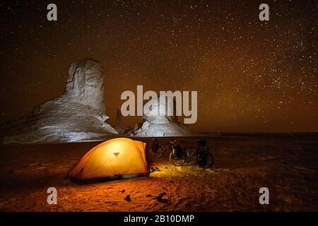 Camping in the White Desert, Sahara, Egypt - Stock Photo