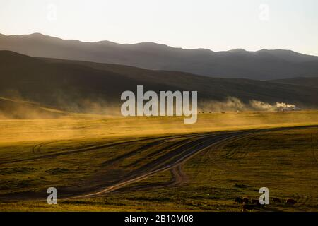 Yurts in the steppe, Mongolia - Stock Photo