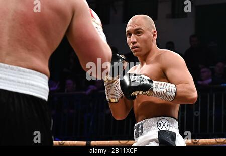 Bethnal Green, United Kingdom. 21st Feb, 2020. William Hamilton (white shorts. Preliminary bout 4. MTK Golden contract boxing semi finals. York Hall. Bethnal Green. London. UK. Credit Garry Bowden/Sport in Pictures/Alamy Live News. Credit: Sport In Pictures/Alamy Live News - Stock Photo