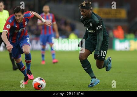 London, UK. 22nd Feb, 2020. Allan Saint-Maximin of Newcastle United getting past Joel Ward of Crystal Palace during the Premier League match between Crystal Palace and Newcastle United at Selhurst Park, London on Saturday 22nd February 2020. (Credit: Jacques Feeney | MI News) Photograph may only be used for newspaper and/or magazine editorial purposes, license required for commercial use Credit: MI News & Sport /Alamy Live News - Stock Photo