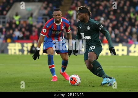 London, UK. 22nd Feb, 2020.Allan Saint-Maximin of Newcastle United getting past Jordan Ayew of Crystal Palace during the Premier League match between Crystal Palace and Newcastle United at Selhurst Park, London on Saturday 22nd February 2020. (Credit: Jacques Feeney | MI News) Photograph may only be used for newspaper and/or magazine editorial purposes, license required for commercial use Credit: MI News & Sport /Alamy Live News - Stock Photo