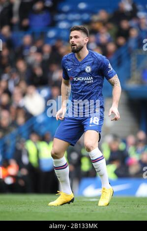London, UK. 22nd Feb, 2020. Olivier Giroud (C) at the Chelsea v Tottenham Hotspur English Premier League game at Stamford Bridge, London, UK on February 22, 2020. **Editorial use only, license required for commercial use. No use in betting, games or a single club/league/player publications** Credit: Paul Marriott/Alamy Live News - Stock Photo
