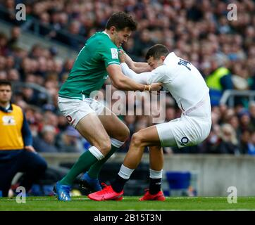 London, UK. 23rd Feb, 2020. L-R Jacob Stockdale of Ireland and Jonny May of England during Guinness Six Nations between England and Ireland at Twickenham Stadium, London, England on 23 February 2020 Credit: Action Foto Sport/Alamy Live News - Stock Photo