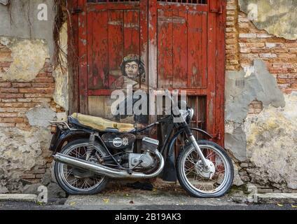 Penang, Malaysia. 02nd Dec, 2019. Street art - The moped. Credit: Damian Gollnisch/dpa-Zentralbild/ZB/dpa/Alamy Live News - Stock Photo