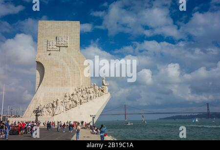 Lissabon, Portugal. 12th Oct, 2019. The Padrao dos Descobrimentos (Monument of Discoveries) is located in the Belém district of Lisbon on the banks of the River Tagus. Credit: Damian Gollnisch/dpa-Zentralbild/ZB/dpa/Alamy Live News - Stock Photo
