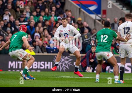 Twickenham, England, 23rd February, Guinness Six Nations, International Rugby, Jonny MAY, with some fancy footwork, during then England vs Ireland, RFU Stadium, United Kingdom, [Mandatory Credit; Peter SPURRIER/Intersport Images] - Stock Photo