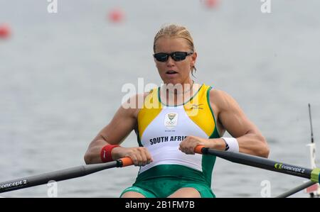 Shunyi, CHINA. RSA W1X,  Rika GEYSER, moves away from the start in her heat of the women's single sculls at the 2008 Olympic Regatta,  Saturday, 09.08.2008  [Mandatory Credit: Peter SPURRIER, Intersport Images] - Stock Photo