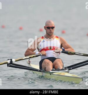 Shunyi, CHINA. GER. M1X,  Marcel HACKER, moves away from the start in his heat of the men's single sculls at the 2008 Olympic Regatta,  Saturday, 09.08.2008  [Mandatory Credit: Peter SPURRIER, Intersport Images] - Stock Photo