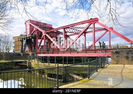 Bascule bridge at Rotherhithe, a Scherzer rolling lift bridge on Rotherhithe Street, London, England, UK - Stock Photo