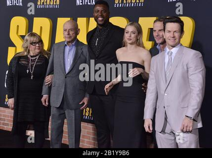 Mark Wahlberg Alan Arkin Spenser Confidential 2020 Credit Daniel Mcfadden Netflix The Hollywood Archive Stock Photo Alamy