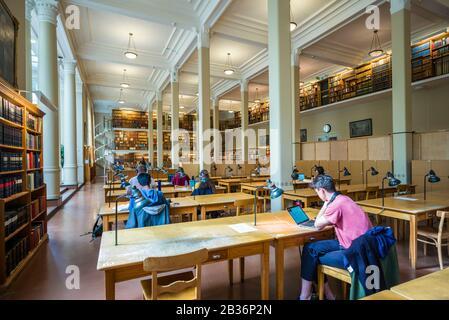 Sweden, Central Sweden, Uppsala, Carolina Rediviva Library, interior