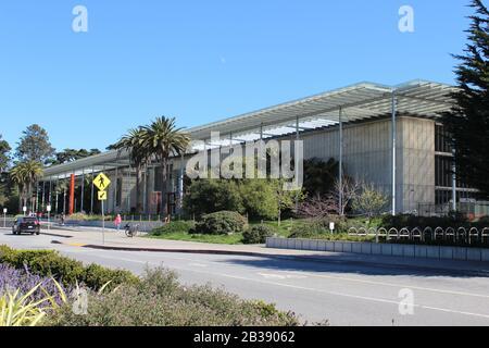 California Academy of Sciences by Renzo Piano, Golden Gate Park, San Francisco, California - Stock Photo