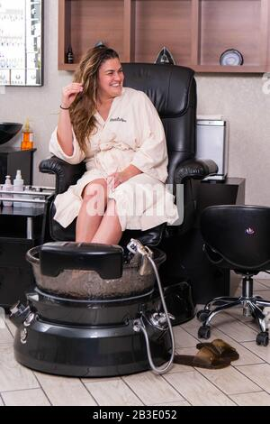 Las Vegas, NV, USA. 4th Mar, 2020. ***HOUSE COVERAGE*** Brittany Cartwright pictured as Brittany Cartwright and Kristen Doute of Vanderpump Rules visit the Spa at Westgate Resort & Casino in Las Vegas, NV on March 4, 2020. Credit: Gdp Photos/Media Punch/Alamy Live News - Stock Photo