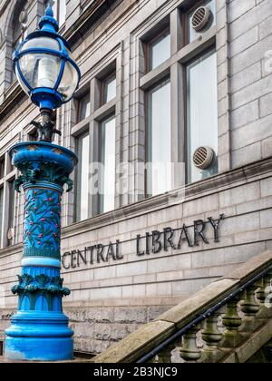 Aberdeen Central Library building on Rosemount Viaduct opened in 1892 by Andrew Carnegie in Aberdeen Scotland - Stock Photo