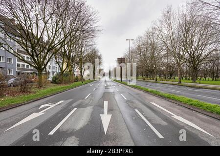 After a water pipe burst and the subsidence of part of the road surface, the main artery of the Cologne traffic is closed for several days. - Stock Photo