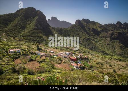 Spain, Canary Islands, Tenerife Island, Las Carrizales, mountain landscape of western Tenerife - Stock Photo