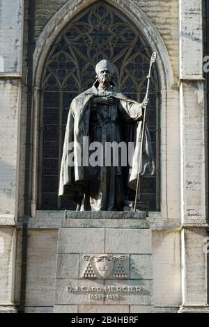 Europe, Belgium, Brussels, Cathedral of St. Michael and St. Gudula, in front of it the statue of Cardinal Mercier - Stock Photo