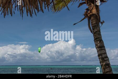 Zanzibar, Tanzania: dream beach on the east coast of this African island in the Indian Ocean. Kitesurfer.