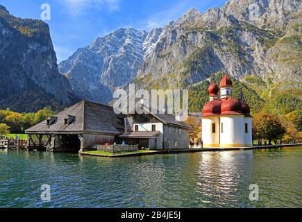Lake shore of St. Bartholomä with chapel and Watzmannostwand (2713m) in the National Park Königssee, municipality Schönau am Königssee, Berchtesgadener Land, Upper Bavaria, Bavaria, Germany