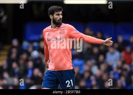 London, UK. 08th Mar, 2020. Andre Gomes of Everton looks on. Premier League match, Chelsea v Everton at Stamford Bridge in London on Sunday 8th March 2020. this image may only be used for Editorial purposes. Editorial use only, license required for commercial use. No use in betting, games or a single club/league/player publications. pic by Steffan Bowen/ Credit: Andrew Orchard sports photography/Alamy Live News