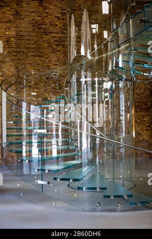 Glass staircase in the Covent Garden Apple Store, designed by Bohlin Cywinski Jackson and design from Gensler - Stock Photo