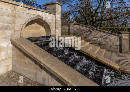An Mughal Water Garden in Lister Park Bradford. Lister Park is on the  English Heritage register of Parks and Gardens of Historic Interest in England. - Stock Photo