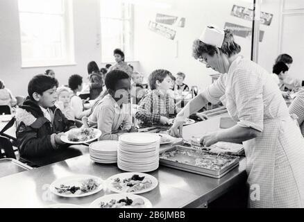 Lunchtime Stanley junior school, Nottingham UK 1986 - Stock Photo