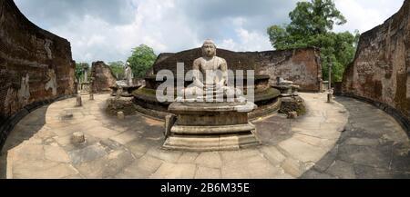 Interior of Polonnaruwa Vatadage probably built by King Nissankamalla 1187-1196 CE, Polonnaruwa, North Central Province, Sri Lanka - Stock Photo