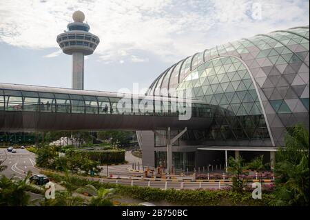19.12.2019, Singapore, Republic of Singapore, Asia - View of the new Jewel Terminal with the tower at Changi Airport. [automated translation] - Stock Photo