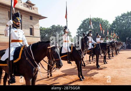 India, New Delhi, 24.03.2018. Trip of the German President and Mrs. Buedenbender to the Republic of India from 21-26.03.2018. Welcome with military honours at the official residence of the President (Rashtrapati Bhavan) of the Republic of India on 24.03.2018. Guard of Honour- [automated translation] - Stock Photo