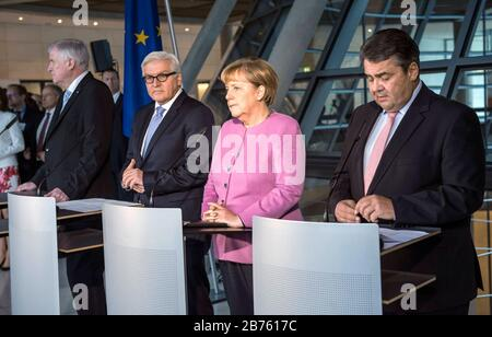 Germany, Berlin, 16.11.2016. Press statement by the party chairmen Dr. Angela Merkel (CDU), Sigmar Gabriel (SPD) and Horst Seehofer (CSU) and the joint candidate for the office of Federal President, Dr. Frank-Walter Steinmeier on 16.11.2016. From left to right: Horst Seehofer, Minister President of the Free State of Bavaria and Chairman of the CSU, Dr. Frank-Walter Steinmeier (SPD), Federal Minister of Foreign Affairs and candidate for the office of Federal President, Dr. Angela Dorothea Merkel, Chancellor and leader of the CDU and Sigmar Gabriel, Federal Minister of Economics and Energy, - Stock Photo