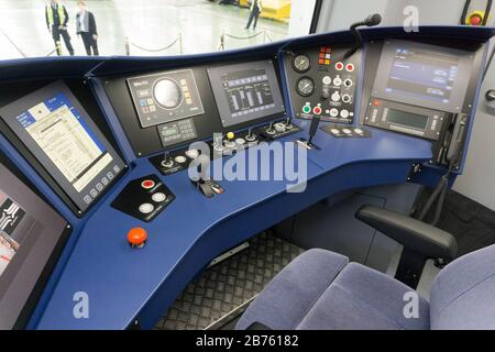 View into the control room of the new S-Bahn for Berlin and Brandenburg. This is available for presentation on 04.10.2016 at the S-Bahn plant Berlin Schoeneweide. The walk-in car model will be presented to about 400 selected passengers for inspection. From January 2021, the new S-Bahn trains will be in service on line S47. [automated translation] - Stock Photo