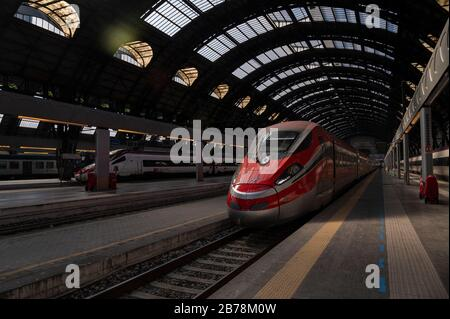 March 8, 2020, Milan, Italy: Empty banks in Milan Central Station following the corona virus outbreak..The Italian Government issued a decree declaring all Lombardy region and other 14 provinces as red zones and by preventing mass social activities, the Government hopes to contain the spreading of the corona virus. (Credit Image: © Valeria Ferraro/SOPA Images via ZUMA Wire) - Stock Photo