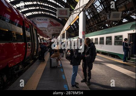 March 8, 2020, Milan, Italy: People leaving for Venice following the corona virus outbreak..The Italian Government issued a decree declaring all Lombardy region and other 14 provinces as red zones and by preventing mass social activities, the Government hopes to contain the spreading of the corona virus. (Credit Image: © Valeria Ferraro/SOPA Images via ZUMA Wire) - Stock Photo