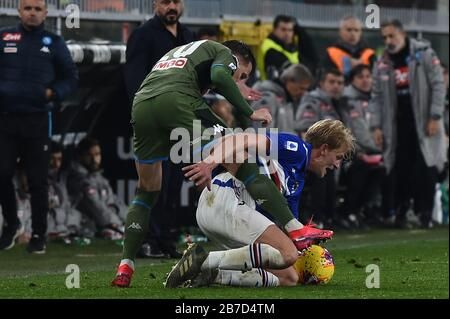 piotr zielinski (napoli) ,  morten thorsby (sampdoria) during Sampdoria Italian Soccer serie A Season 2019/20, Genova, Italy, 14 Mar 2020, Soccer ital - Stock Photo