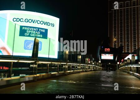 Las Vegas, USA. 17th Mar, 2020. The sidwalks along the Las Vegas Strip are deserted after all hotels and casinos were forced to close due to the COVID-19 outbreak. Credit: Joel Harris/Alamy Live News. - Stock Photo