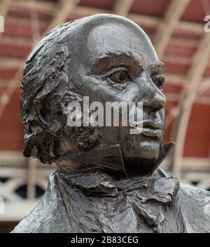 Statue of Isambard Kingdom Brunel by John Doubleday on Paddington Station, a railway terminus and London Underground complex in Paddington, London - Stock Photo