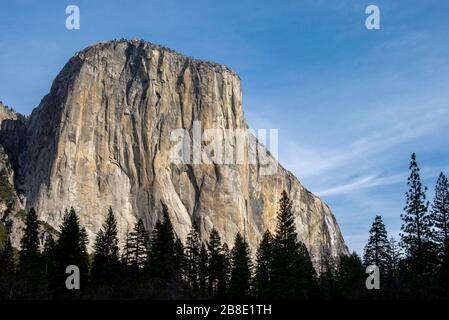 US, California, Mariposa County, Yosemite National Park. The South face of El Capitan, the largest granite monolith in the country. - Stock Photo