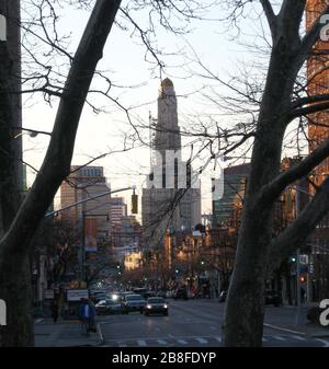 'English: Flatbush Avenue. I took this picture looking north from Grand Army Plaza near dusk on a sunny early spring day. Williamsburgh Savings Bank Tower in distant center; Chase building of MetroTech Center left.; 28 March 2008 (original upload date); Own work; User:Jim.henderson; ' - Stock Photo